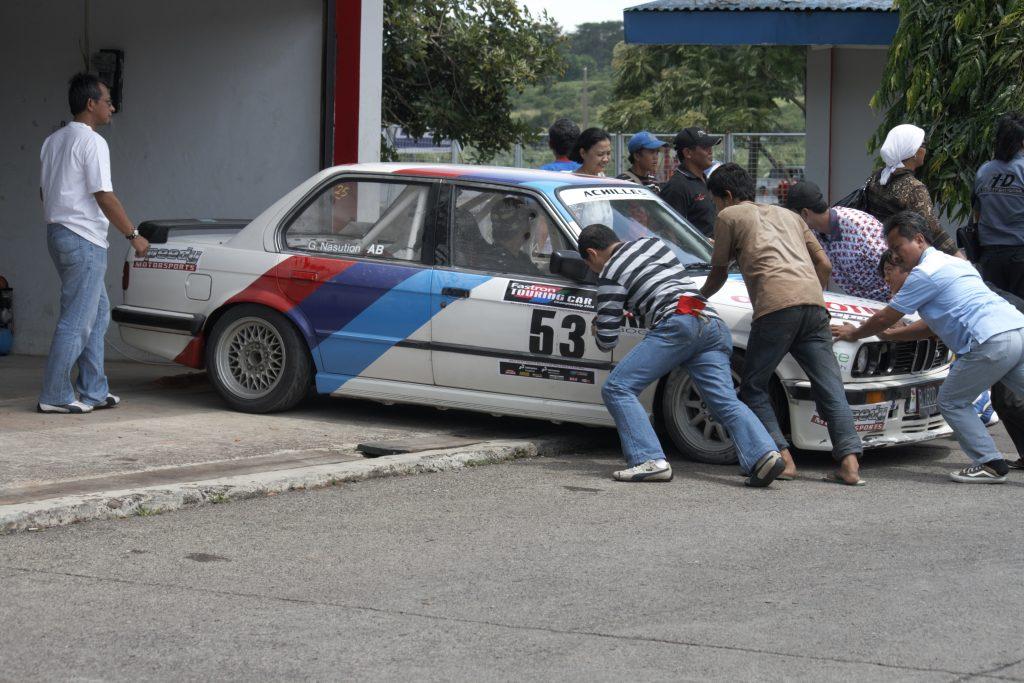 Race preparation Rpund 6 ITCC Retro Race 2000